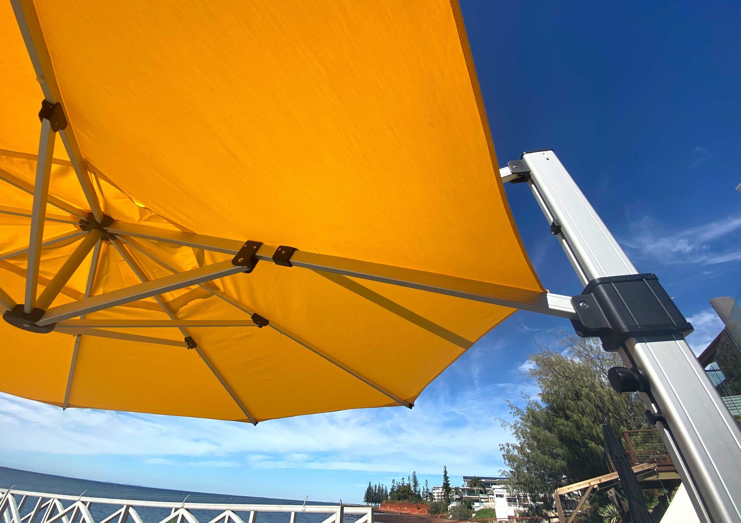 fs gallery images cantilever round octogon umbrella 3