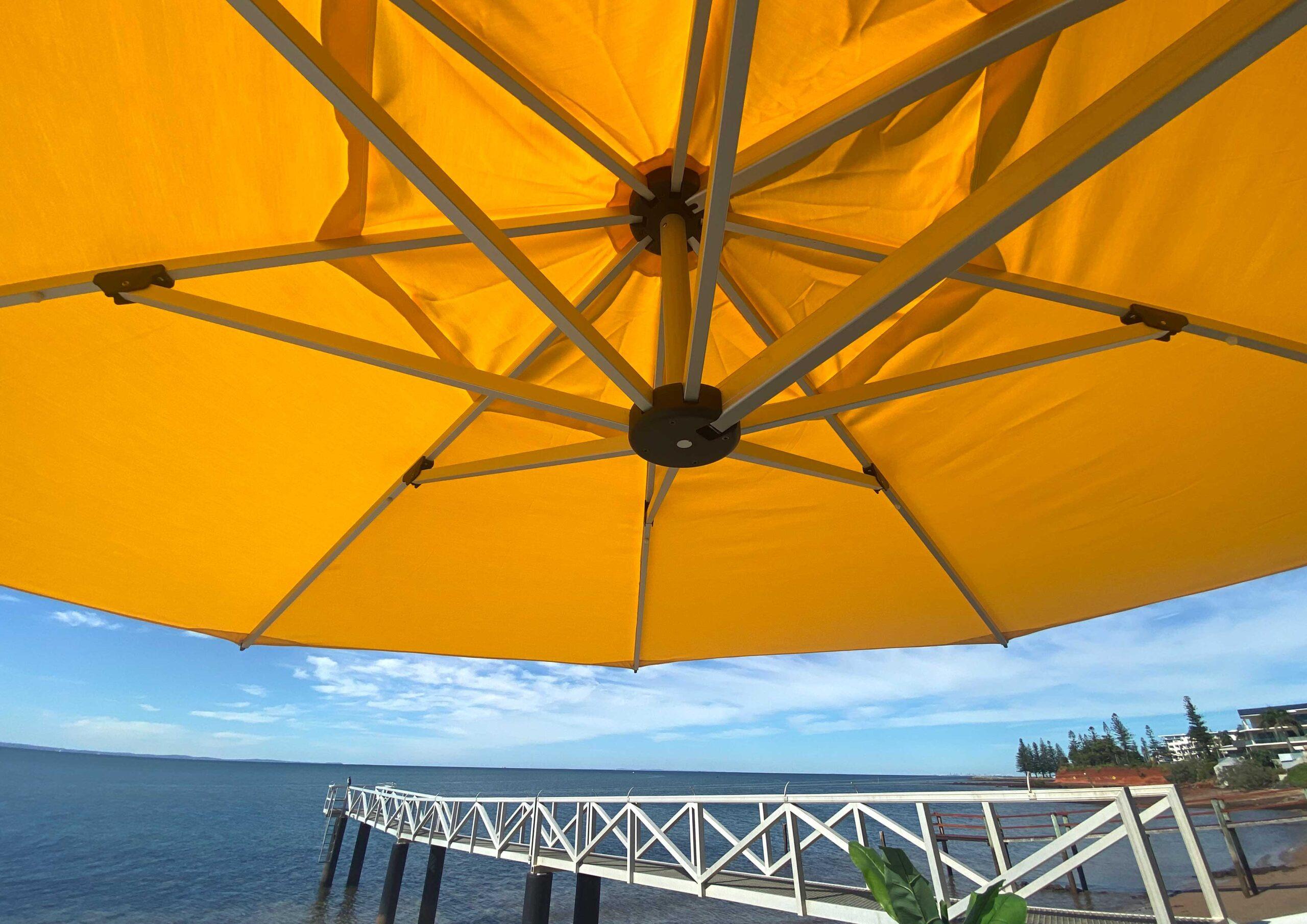 fs gallery images cantilever round octogon umbrella 4
