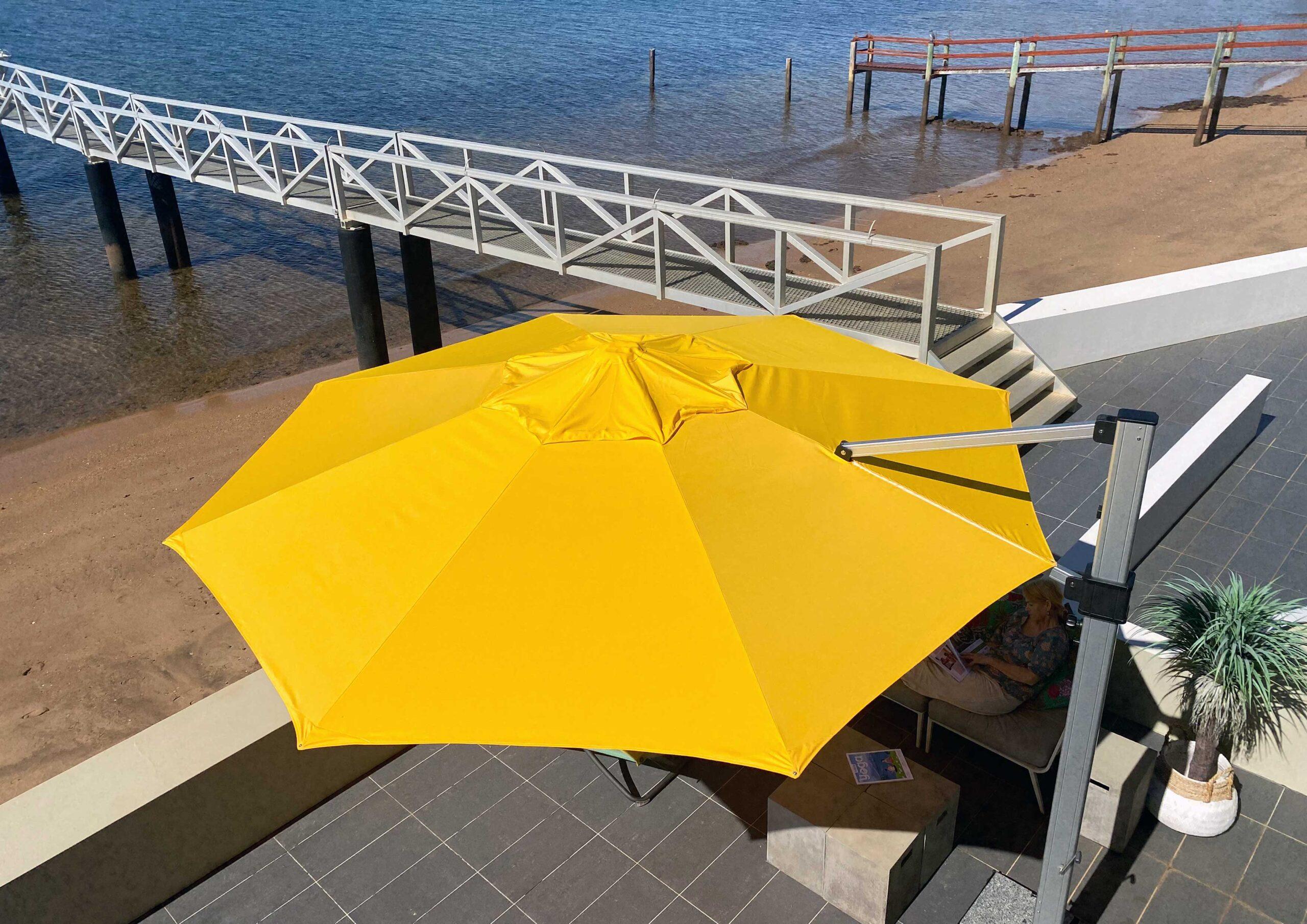 fs gallery images cantilever round octogon umbrella 5