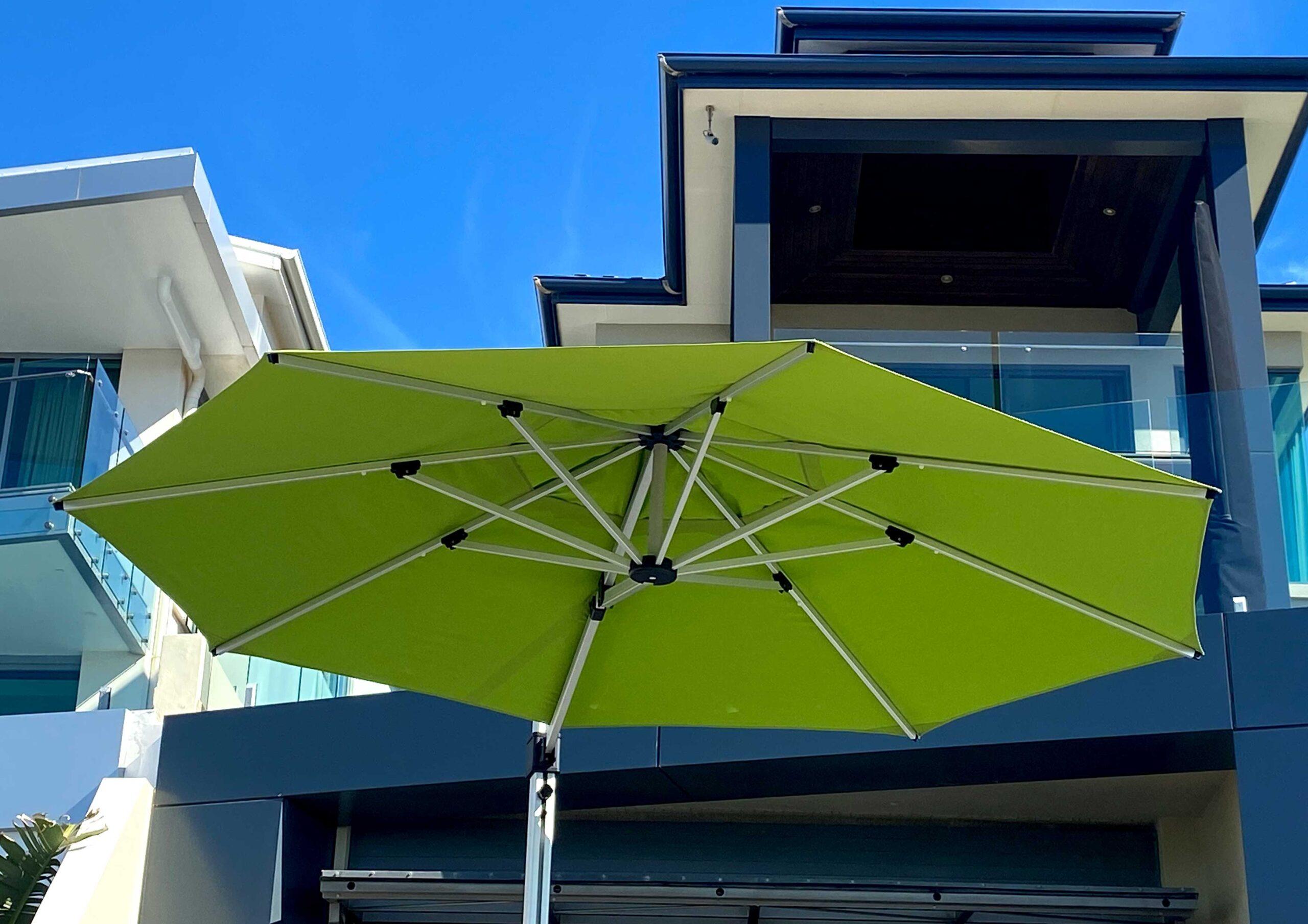 fs gallery images cantilever round octogon umbrella 9